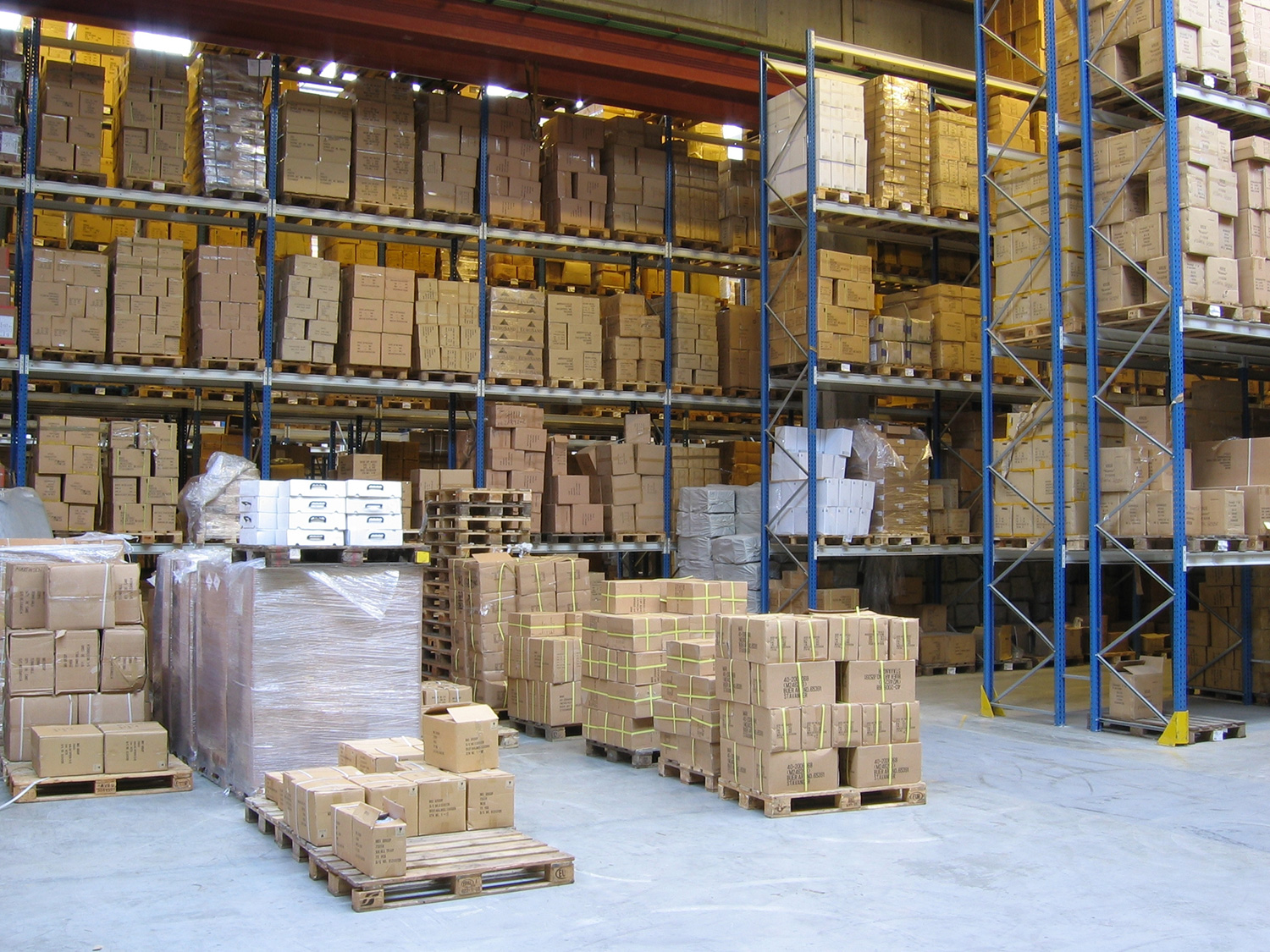 Corporate Services, Inc. is hiring Warehouse Jobs — up to $15.00/hour — apply today!