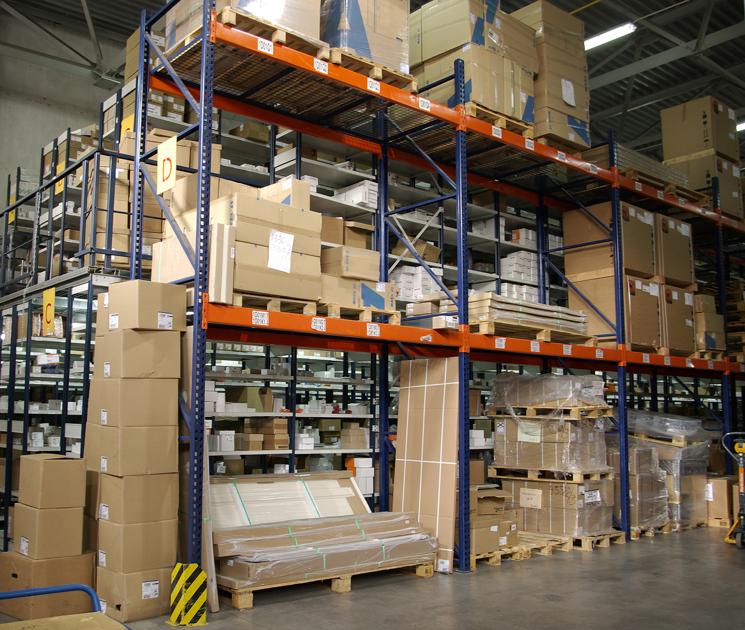 Corporate Services, Inc. is hiring Warehouse Jobs — up to $14.00/hour — apply today!