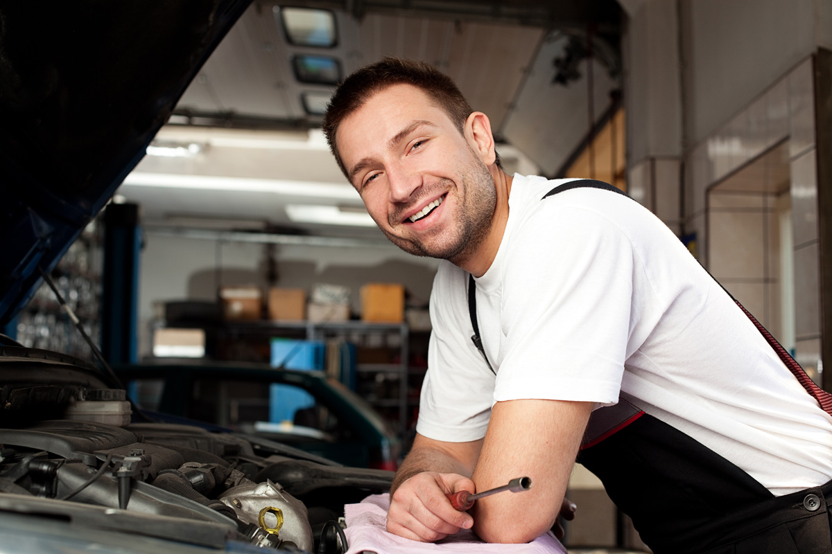 Corporate Services, Inc. is hiring Entry-Level Mechanics — up to $15.00/hour — apply today!